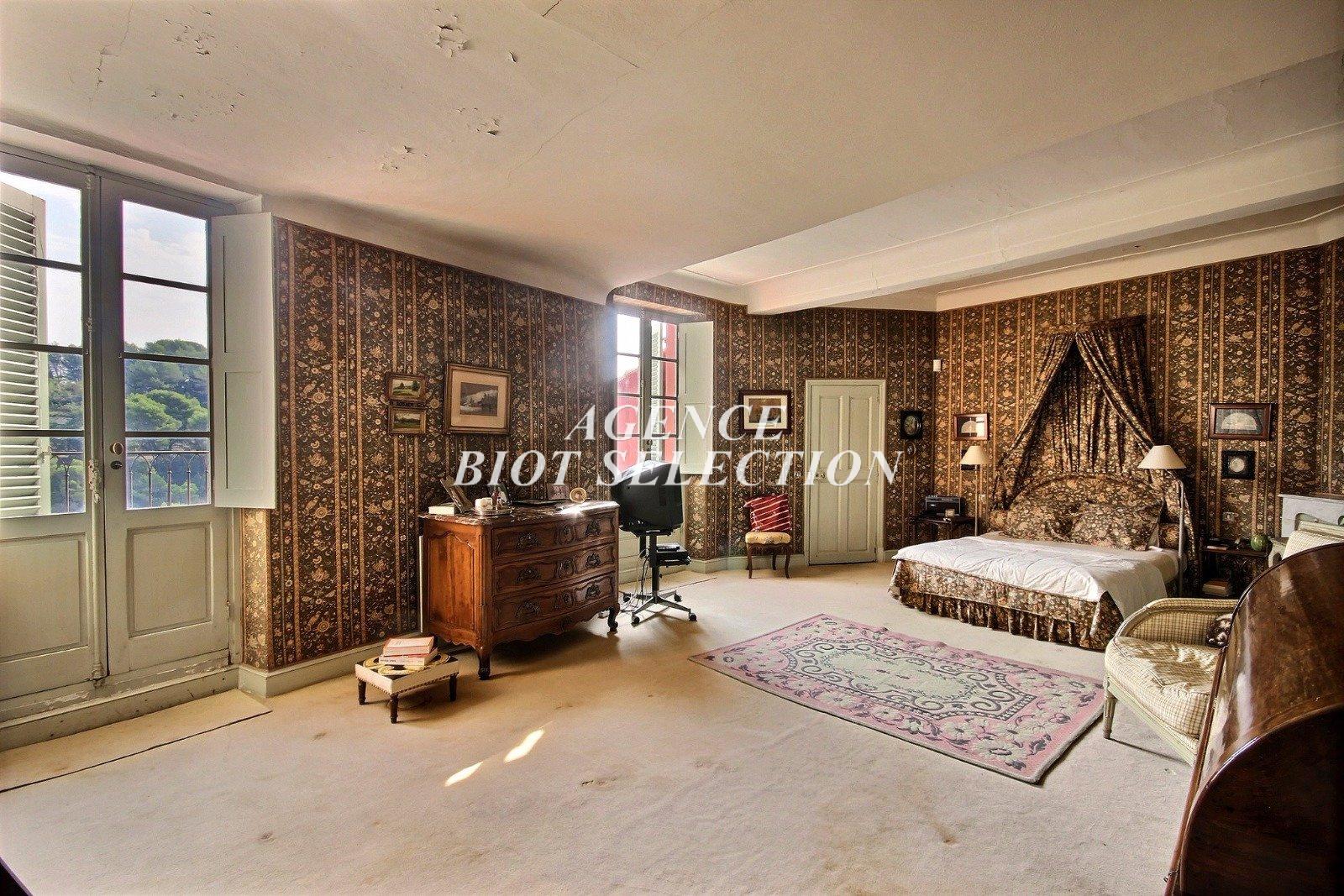 Vente biot centre historique maison bourgeoise 340 m2 vue for Acheter maison biot