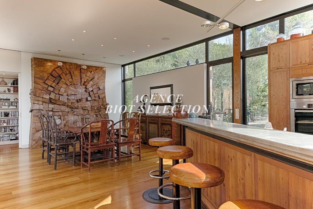 Vente biot maison contemporaine plain pied 4 chambres for Acheter maison biot